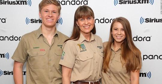 Keluarga Irwin telah menyelamatkan lebih dari 90.000 hewan, termasuk banyak yang terluka di Kebakaran Hutan Australia