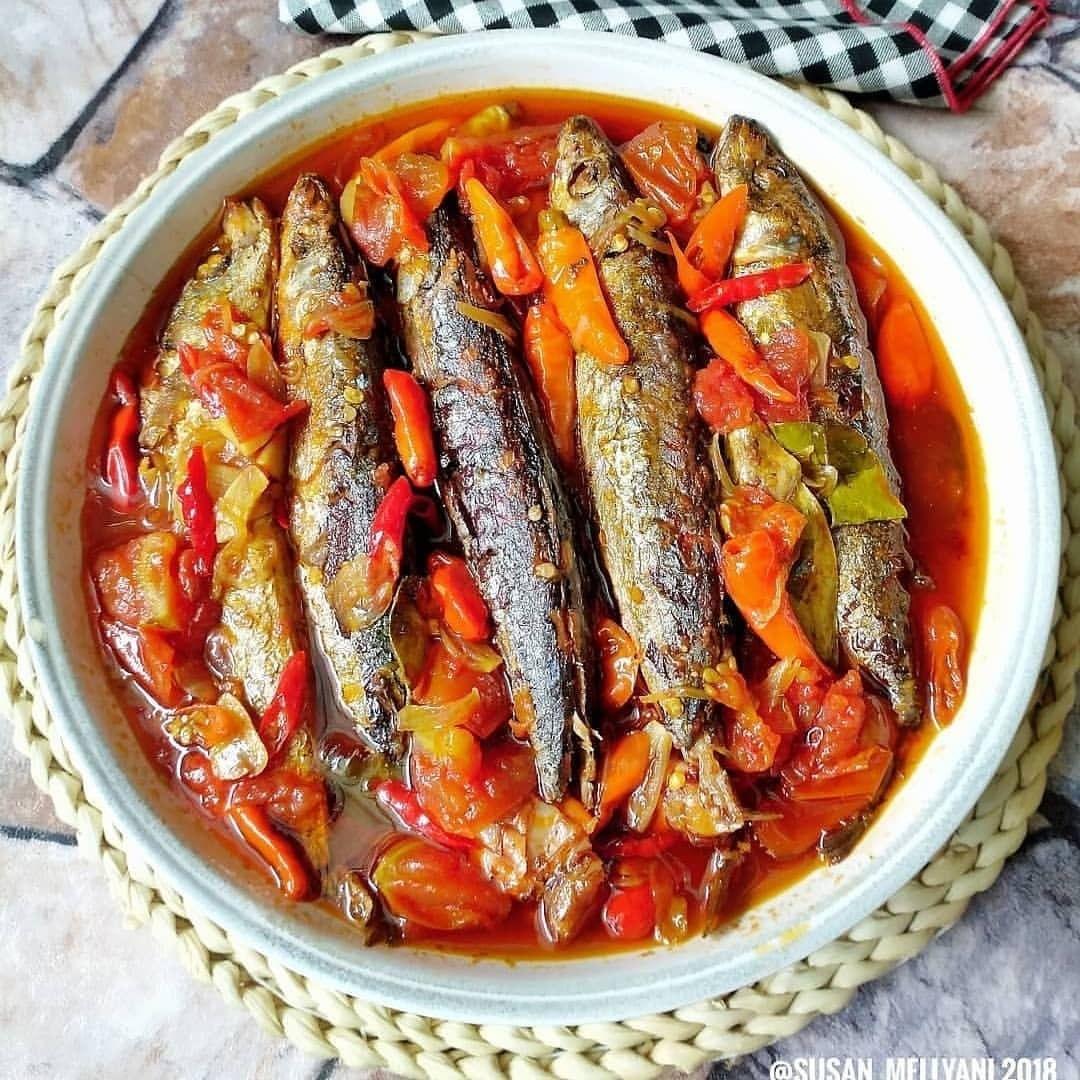 IKAN PINDANG BUMBU SARDEN • By @susan_mellyani • BAHAN: 5 ekor ikan pindang...