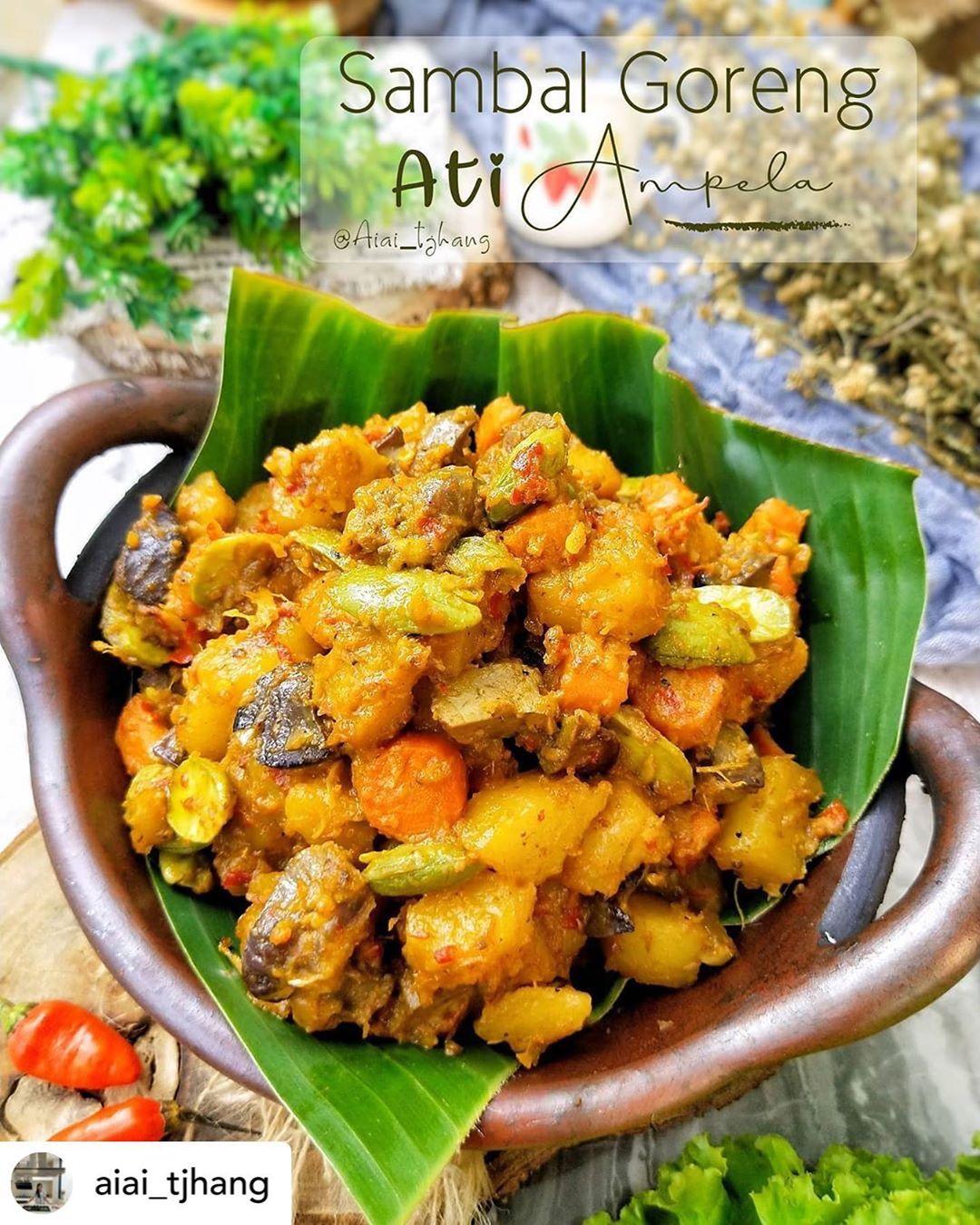Posted @withregram • @aiai_tjhang Sambal Goreng Ati Ampela menjadi menu makanan ...