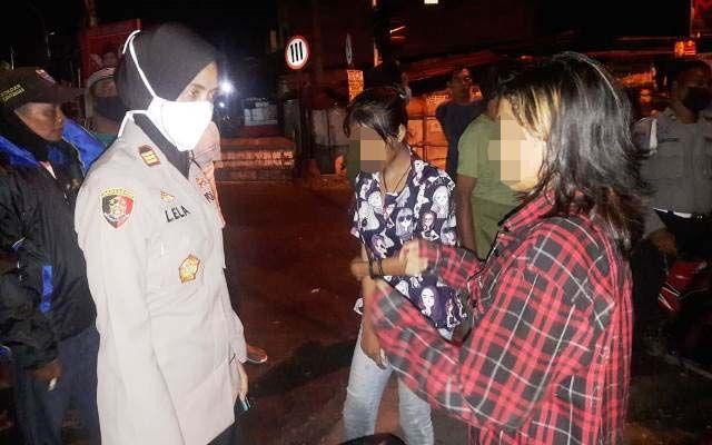 Kedapatan Nongkrong saat Jam Malam, Dua Gadis Bawah Umur Dipulangkan