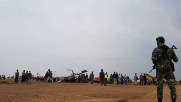 Helikopter Jatuh di Kawasan Industri Kendal, 6 Orang Sempat Selamatkan Diri
