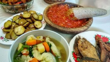 .  Menu Sehari-Hari Ala @lisna_lisnawati71 .  Assalamualaikum Selamat makan sian...