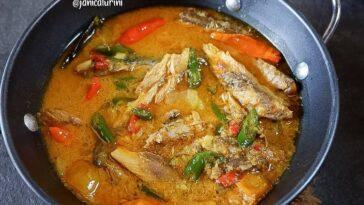 Posted @withregram • @janicaturini Kotokan Tongkol  2 buah ikan tongkol pindang,...