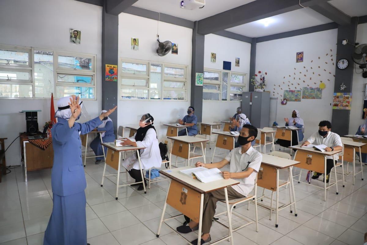 Dinas Pendidikan Jatim Bahas Kemungkinan Pembelajaran Tatap Muka SMA/SMK