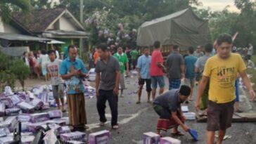Lima Orang Meninggal dalam Kecelakaan Maut di Jember