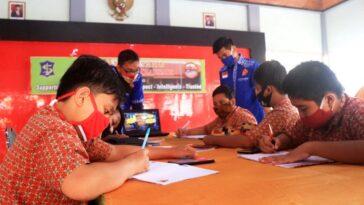 Pendopo Kecamatan Jadi Alternatif Tempat Belajar Daring Pelajar di Surabaya